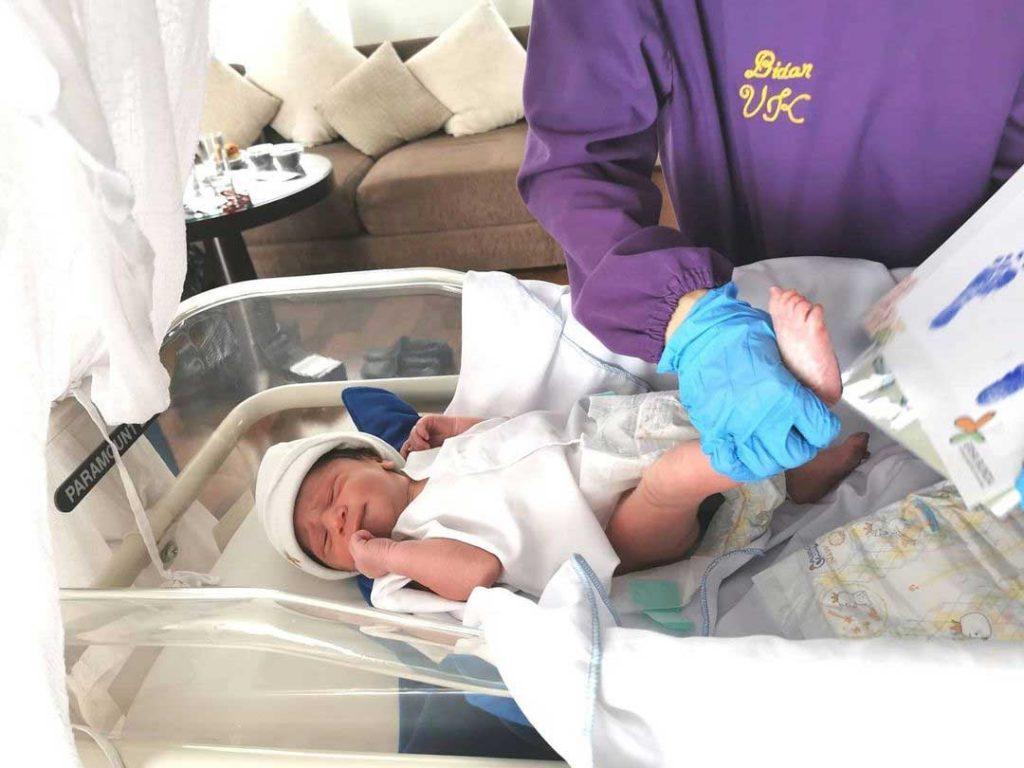 baby-margaretha-melahirkan