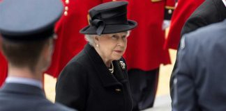 ratu-elizabeth-bertugas-setelah-pangeran-philip-meninggal-dunia-1